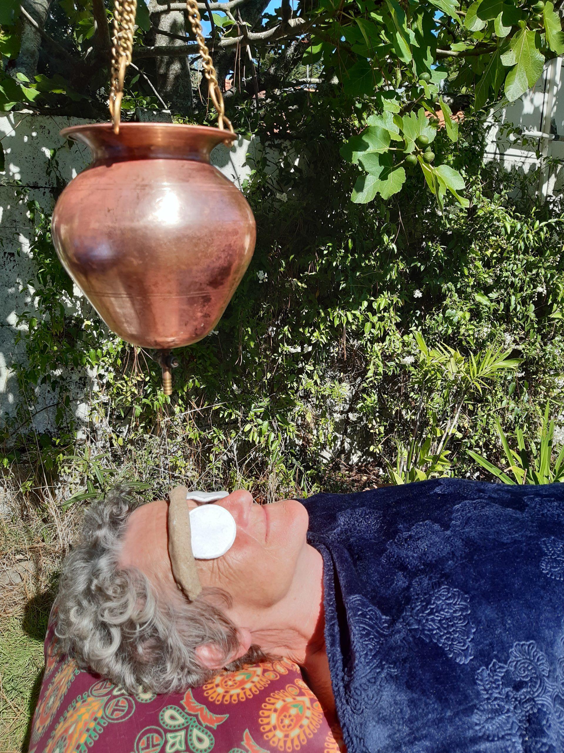shirodhara iabhyanga massage femme enceint pré natal post natal massage soin pornichet la baule Saint-Nazaire ayurveda massage ayurvédique massages